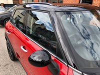"USED 2013 13 MINI COUNTRYMAN 2.0 COOPER SD 5DOOR 141 BHP DAB Radio   :   USB & AUX Socket   :   Phone Bluetooth Connectivity   :   Air Conditioning      Rear Parking Sensors   :   17"" Alloy Wheels   :   2 Keys   :   Service History"