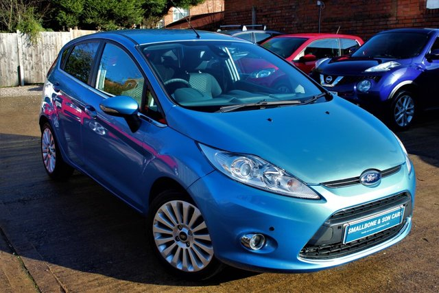 USED 2009 59 FORD FIESTA 1.4 TITANIUM 5d 96 BHP **** BLUETOOTH * FRONT AND REAR PARKING SENSORS * AIR CON * DAB DIGITAL RADIO * CRUISE CONTROL ****