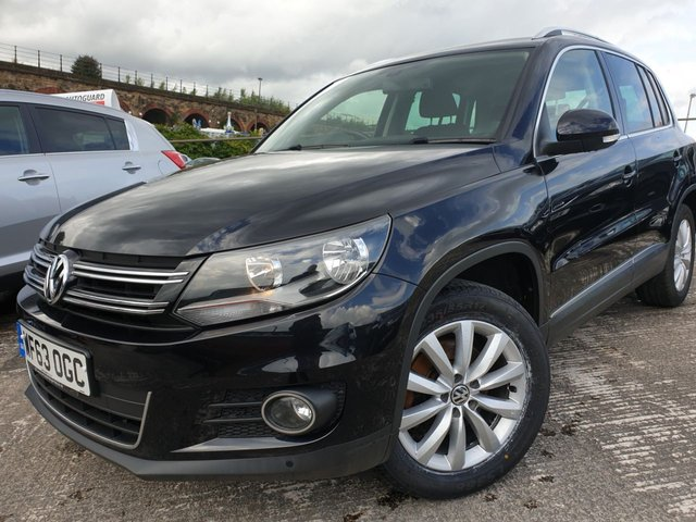 USED 2013 63 VOLKSWAGEN TIGUAN 2.0 MATCH TDI BLUE TECH 4MOTION 5d 139 BHP LOWMILE+CLEANCAR+HPICLEAR+MEDIA+NAV+17ALLOYS+CLIMATE+PARKING+