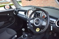 USED 2009 09 MINI HATCH COOPER 1.6 COOPER 3d 118 BHP WE OFFER FINANCE ON THIS CAR