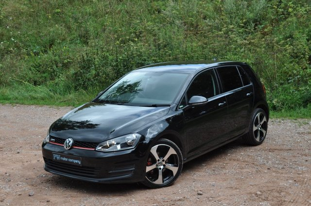 "USED 2015 15 VOLKSWAGEN GOLF 1.6 S TDI BLUEMOTION TECHNOLOGY 5d 90 BHP SAT NAV GTD GTI 18"" ALLOYS"