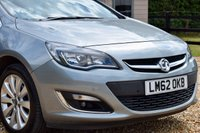 USED 2012 62 VAUXHALL ASTRA 1.6 ELITE 5d 113 BHP SUPER LOW MILES! JUST 2 OWNERS! HEATED SEATS, SENSORS, CRUISE!
