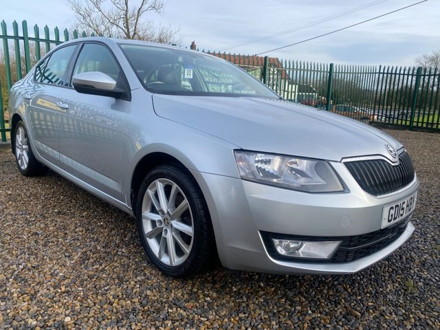 USED 2015 15 SKODA OCTAVIA 1.6 TDI ELEGANCE FREE ROAD TAX SATNAV,BLUETOOTH,MEDIA