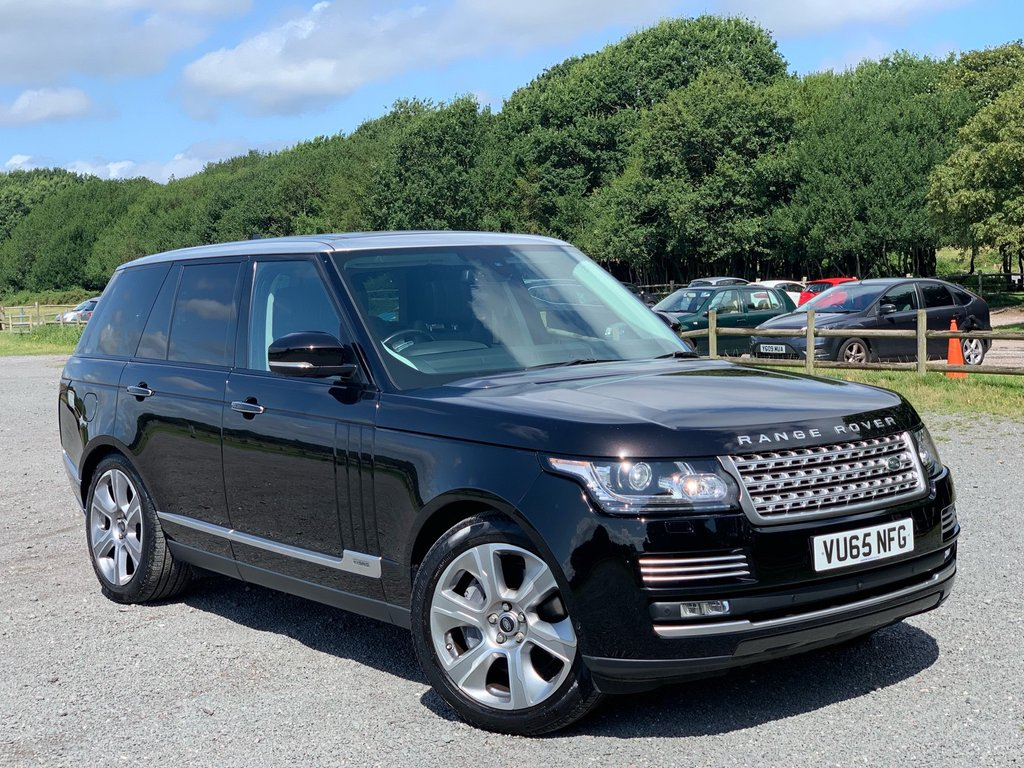 USED 2015 65 LAND ROVER RANGE ROVER 3.0 SDV6 HEV AUTOBIOGRAPHY 5d AUTO 292 BHP ADAPTIVE CURISE CONTROL - BLIND SPOT MONITORING  - FORWARD ALERT SYSTEM  - HIGH BEAM ASSIST  - 360 CAMERA SYSTEM  - SOFT CLOSE DOORS - PARALLEL PARKING ASSIT  - HEATED AND COOLED ELECTRIC FRONT & REAR SEATS  - HEATED STEERING WHEEL  - MASSAGE SEATS  - 4 ZONE CLIMATE  - AMIBENT LIGHTING  - MERIDIAN 1700W SOUND SYSTEM  - BOTTLE COOLER  -  FREEVIEW TV WITH HEADPHONES