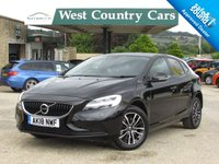 USED 2018 18 VOLVO V40 2.0 T3 MOMENTUM NAV PLUS 5d 150 BHP Only 4,000 Miles From New