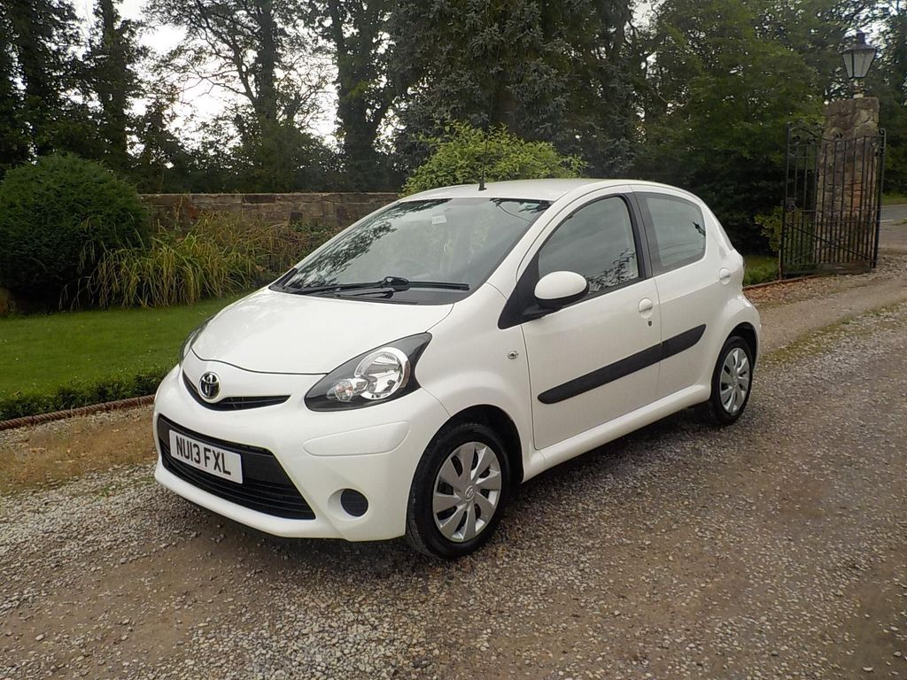 USED 2013 13 TOYOTA AYGO 1.0 VVT-i Ice 5dr Low mileage 5 door
