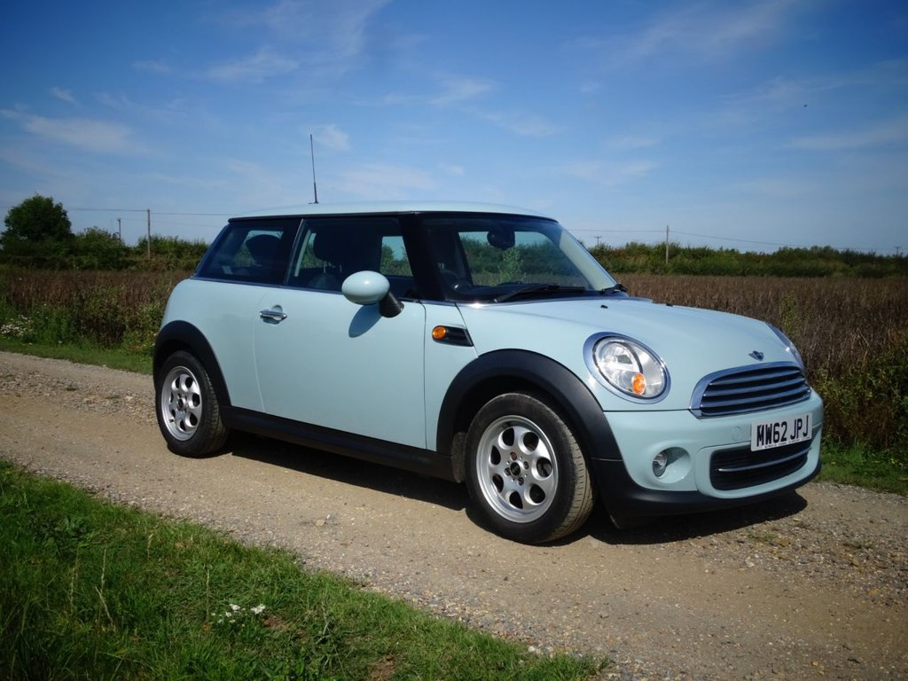 USED 2013 62 MINI HATCH COOPER 1.6 COOPER 3d 122 BHP Alloys A/C BT