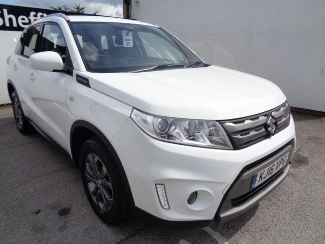 USED 2016 16 SUZUKI VITARA 1.6 SZ4 5 door 118 BHP white alloy wheels climate control 2 keys sought after colour and car supplied with service and mot