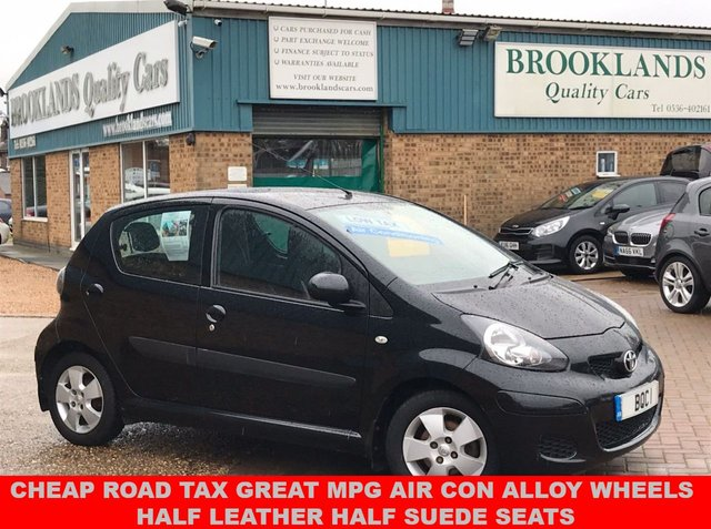 USED 2009 58 TOYOTA AYGO 1.0 BLACK VVT-I 5d 67 BHP Ideal First Car  Cheap Road Tax Great Mpg Air Con Alloy Wheels HALF LEATHER HALF SUEDE SEATS