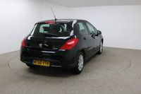 USED 2011 60 PEUGEOT 308 1.6 ENVY HDI 5d 92 BHP FINISHED IN A STUNNING BLACK + 1 OWNER + SERVICE HISTORY + LOW MILES + £30 TAX + BLUETOOTH + MOUNTED AUDIO CONTROLS