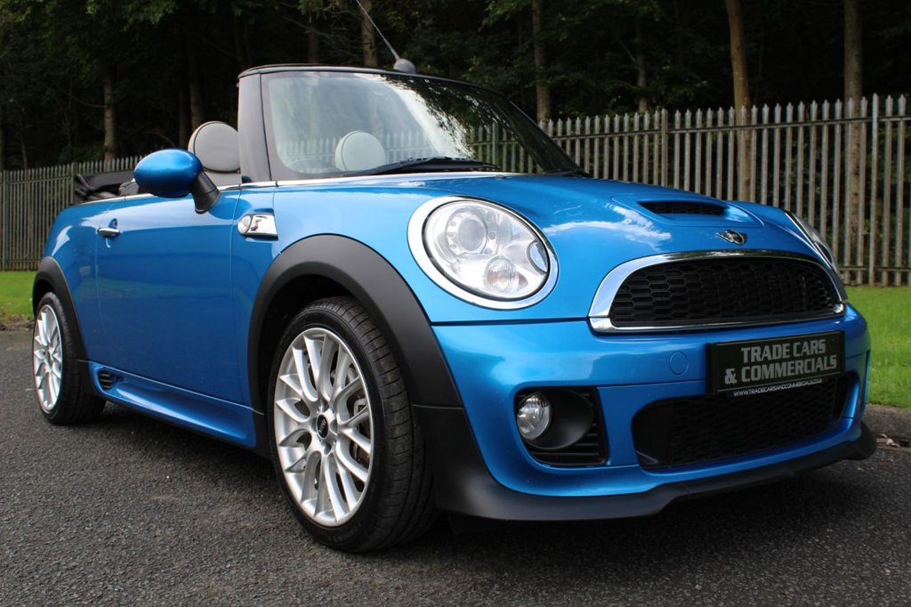 USED 2011 61 MINI CONVERTIBLE 2.0 Cooper S D 2dr A STUNNING HIGH SPEC CAR WITH JCW AERO KIT!!!