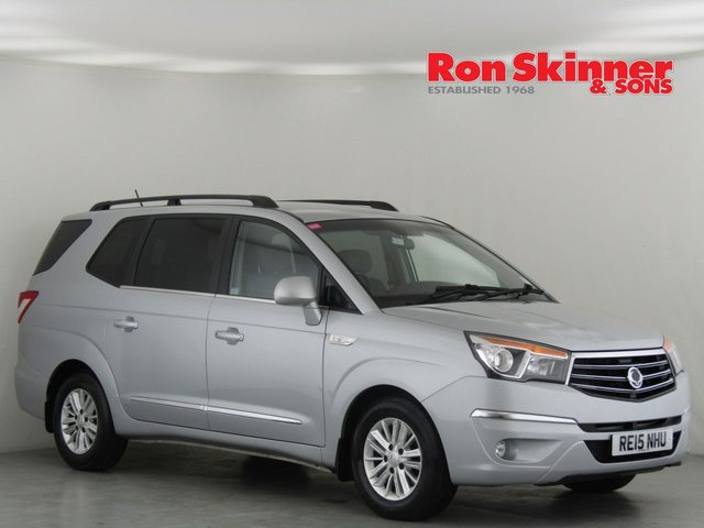 View our 2015 15 SSANGYONG RODIUS TURISMO 2.0 ES 5d AUTO 155 BHP