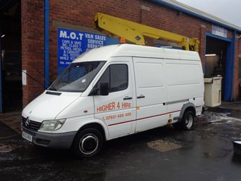 2000 MERCEDES-BENZ SPRINTER 2.2 411 CDI 1d 109 BHP CHERRY PICKER ( SPARES OR REPAIRS ) NO MOT  RUNS AND DRIVES LIFT  IN GOOD WORKING ORDER  £1995.00