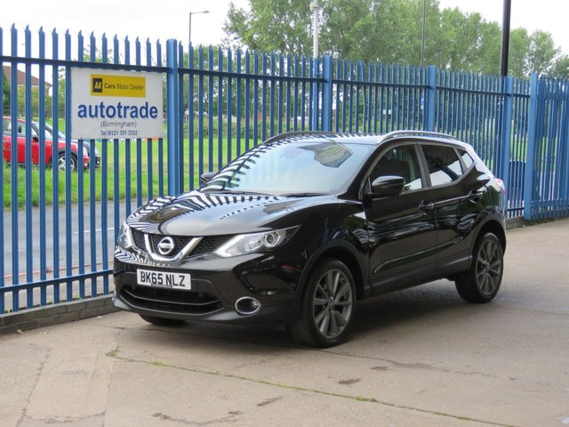 USED 2015 65 NISSAN QASHQAI 1.6 DCI TEKNA 5dr Sat nav Leather Pan roof SatNav,Leather Interior,Panoramic roof