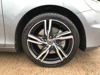 USED 2018 18 VOLVO V40 2.0 D2 R-DESIGN PRO 5d AUTO 118 BHP Full leather (Heated), Sat Nav