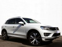 USED 2015 65 VOLKSWAGEN TOUAREG 3.0 V6 R-LINE TDI BLUEMOTION TECHNOLOGY 5d AUTO 259 BHP 1 Owner from New......Satellite Navigation with Panoramic Glass Sunroof......
