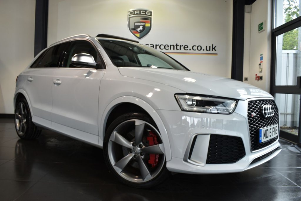 "USED 2015 15 AUDI RS Q3 2.5 RS TFSI QUATTRO 5DR AUTO 335 BHP full service history  Finished in a stunning white styled with 20"" alloys. Upon opening the drivers door you are presented with full black leather interior, full service history, satellite navigation, bluetooth, heated seats, rear-view camera, BOSE surround sound, cruise control, heated mirrors, parking sensors"