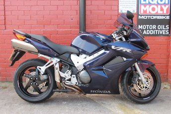 View our HONDA VFR 800