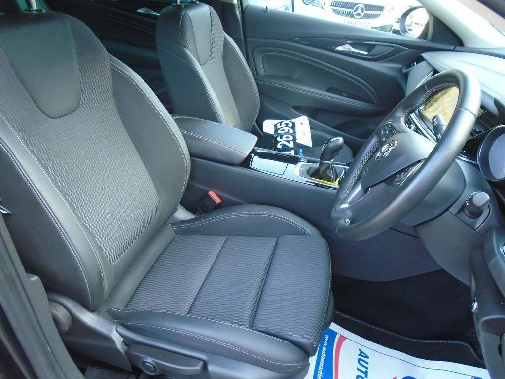 Vauxhall Insignia 1 6 Turbo D Ecotec Blueinjection SRI Nav