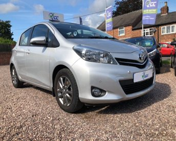 2014 TOYOTA YARIS 1.3 VVT-I ICON PLUS 5d 99 BHP £7595.00