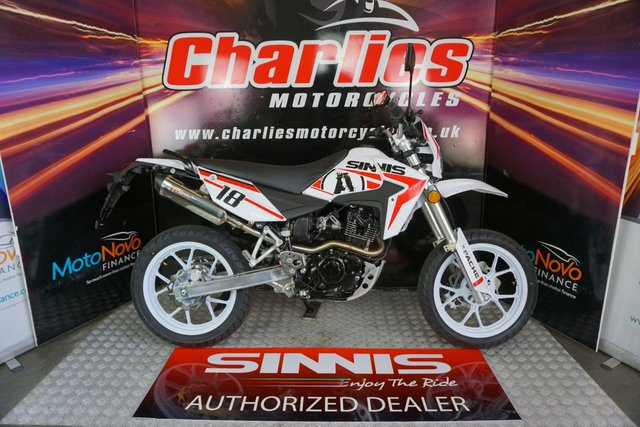 View our SINNIS Apache 125