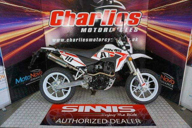 View our SINNIS Apache 125