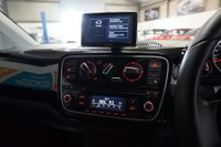 USED 2014 64 VOLKSWAGEN UP 1.0 Groove up! 3dr SAT NAV, HEATED SEATS, VW S/H