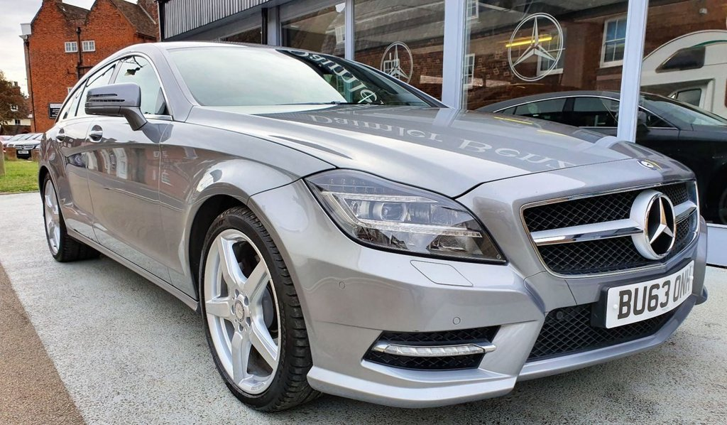 USED 2013 63 MERCEDES-BENZ CLS CLASS 3.0 CLS350 CDI BLUEEFFICIENCY AMG SPORT 5d AUTO 262 BHP