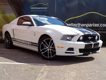 2012 FORD MUSTANG 2012 FORD MUSTANG 3.7 V6 ONLY 22,000 MILES £16995.00