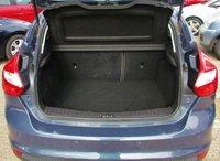USED 2011 61 FORD FOCUS 1.6 ZETEC 5d 124 BHP Low Mileage