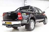 USED 2015 15 TOYOTA HI-LUX 3.0 D-4D Invincible Double Cab Pickup 4dr 12,950 + VAT - ROLL N LOCK