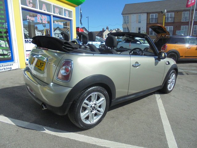USED 2010 60 MINI CONVERTIBLE 1.6 COOPER 2d 122 BHP JUST ARRIVED LOW MILLAGE CONVERTIBLE