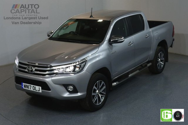 2017 17 TOYOTA HI-LUX 2.4 INVINCIBLE 4WD D-4D DCB 148 BHP EURO 6 ENGINE AIR CON, SAT NAV, REVERSE CAM., KEYLESS START, ALLOY WHEELS