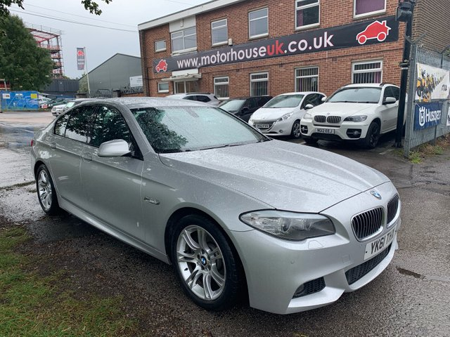 USED 2011 61 BMW 5 SERIES 2.0 520D M SPORT 4d AUTO 181 BHP STUNNING WELL MAINTAINED LOW MILEAGE EXAMPLE WITH 4 SERVICE STAMPS TO 51K. ALLOY WHEELS. PARK SENSORS. HEATED LEATHER SEATS. RADIO/CD/AUX/USB, CRUISE CONTROL, CLIMATE CONTROL, SATELLITE NAVIGATION.