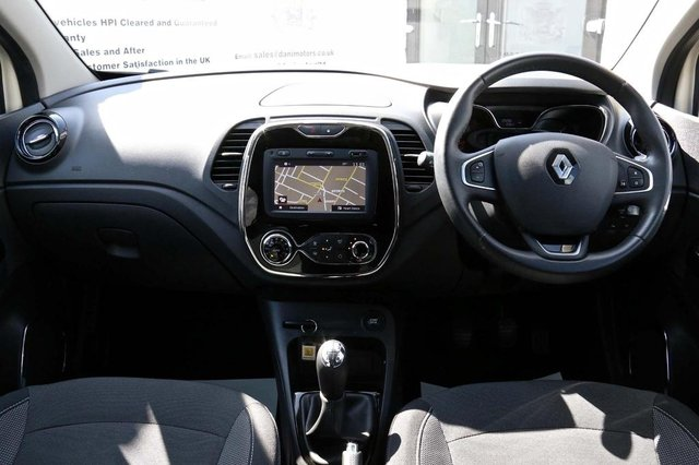 RENAULT CAPTUR at Dani Motors
