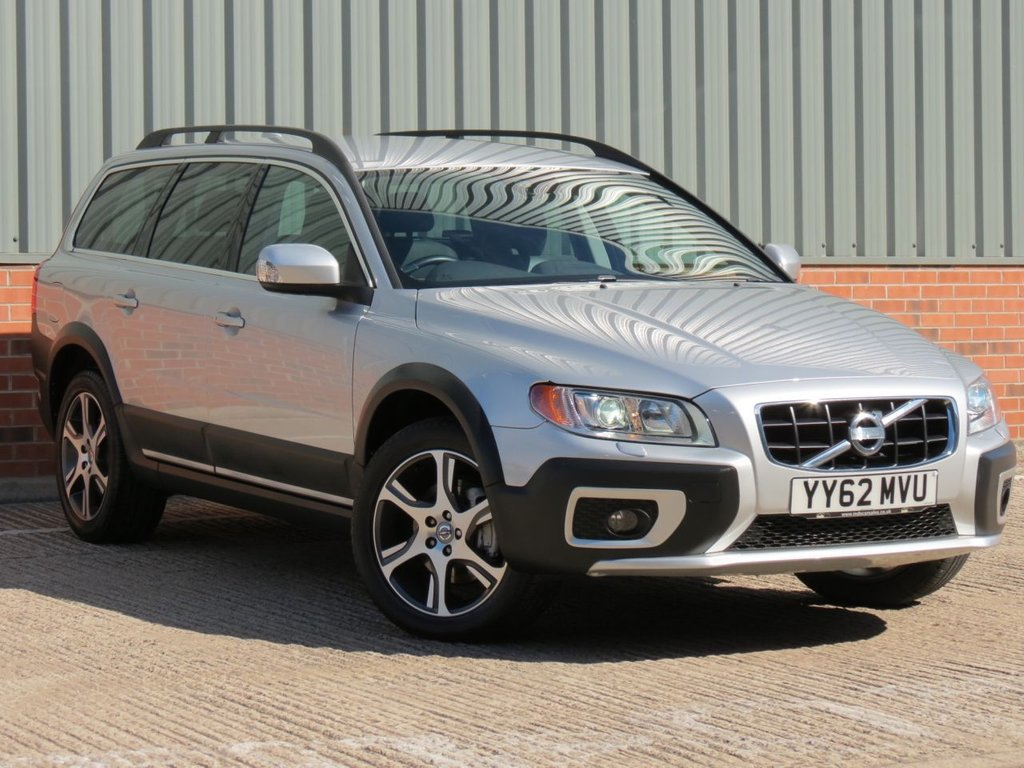 USED 2013 62 VOLVO XC70 2.4 D4 SE LUX AWD 5d AUTO 161 BHP EXCELLENT CONDITION AND FANTASTIC VALUE 4X4