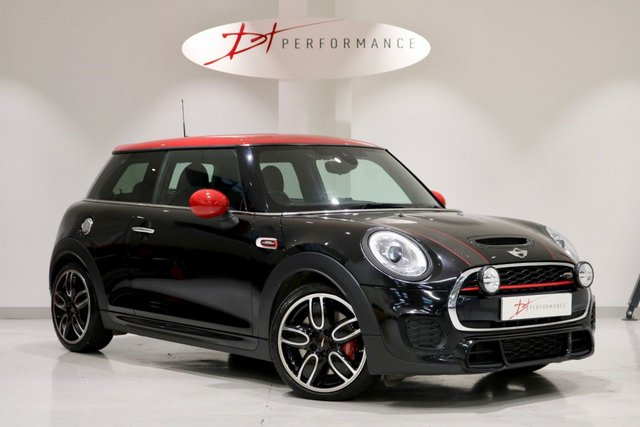 2015 15 MINI HATCH JOHN COOPER WORKS 2.0 JOHN COOPER WORKS 3d AUTO 228 BHP HUGE SPECIFICATION