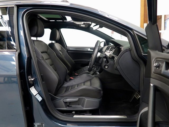VOLKSWAGEN GOLF at WR Car Sales