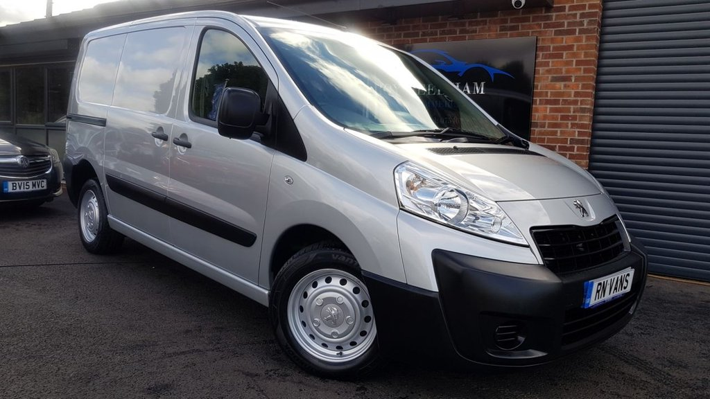 USED 2015 15 PEUGEOT EXPERT 2.0 HDI 1000 L1H1 PROFESSIONAL 6DR 128 BHP *** RACKING - 1 OWNER - CRUISE - A/C ***