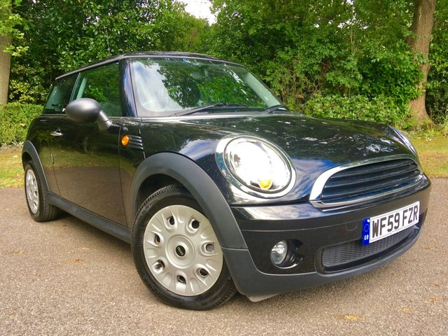 2009 59 MINI HATCH FIRST 1.4 FIRST 3d 75 BHP AMAZINGLY LOW MILAGE 12,800 / 1 OWNER/ X7 MINI MAIN DEALER SERVICES
