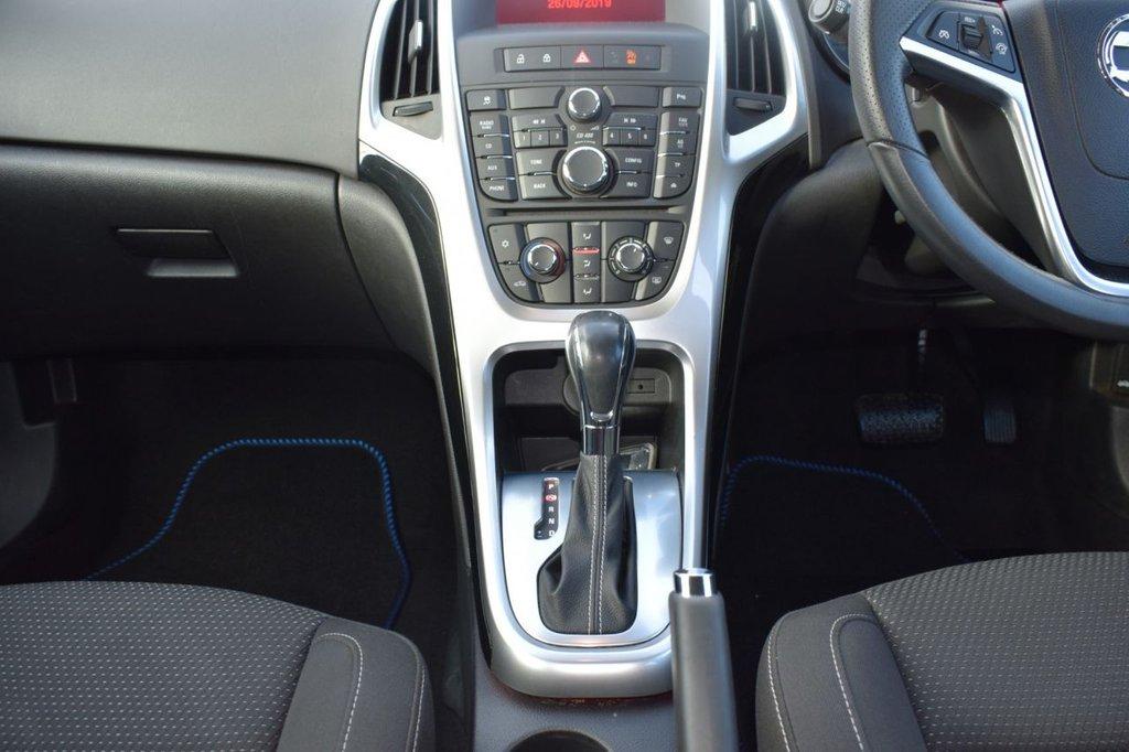 USED 2014 14 VAUXHALL ASTRA 1.6 SRI 5d AUTO 115 BHP