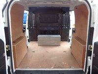 USED 2015 15 VAUXHALL COMBO 1.6 2300 L2H1 CDTI S/S 1d 105 BHP