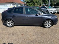 USED 2009 09 FORD FOCUS 1.6 ZETEC 5d 100 BHP ONE YEAR WARRANTY INCLUDED / FULL HISTORY WITH 11 STAMPS IN THE SERVICE BOOK