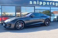 USED 2019 19 JAGUAR F-TYPE 2.0 I4 CHEQUERED FLAG 2d AUTO 296 BHP Carpathian Grey, 20-inch, diamond-turned alloy wheels which are unique to this special edition model, and which house a set of red brake calipers. The changes are rounded off with a more aggressive set of SVO-spec extended side sills leather, contrast stitching and black suede headlining, as well as a red 12 o'clock marker on the steering wheel, 2 Keys