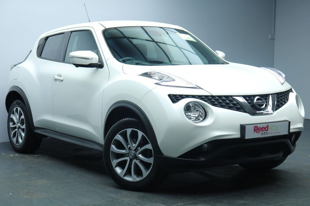 "USED 2015 65 NISSAN JUKE 1.6 TEKNA XTRONIC 5d AUTO 117 BHP 17""ALLOYS+LEATHER+REVERSE CAMERA+NAV+PRIV GLASS+CLIMATE CONTROL"
