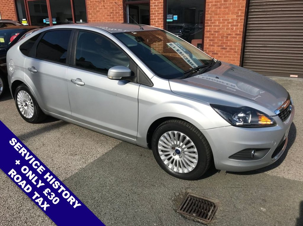 """USED 2009 58 FORD FOCUS 1.6 TITANIUM TDCI 5DOOR 108 BHP Folding / Heated Mirrors           :           Heated Windscreen           :           Automatic Headlights        Air Conditioning       :       Front & Rear Electric Windows       :       Black Cloth Upholstery      Rear Privacy Glass   :   Cargo / Load Cover   :   16"""" Alloy Wheels"""