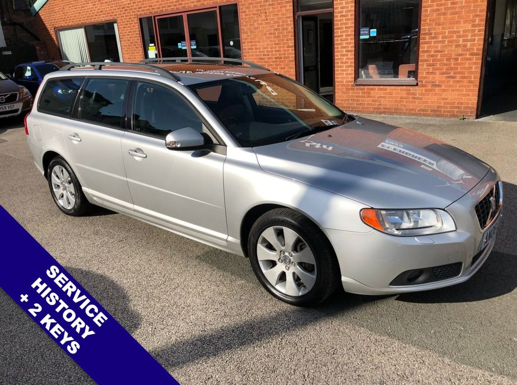 "USED 2008 08 VOLVO V70 2.4 D5 SE 5DOOR 183 BHP AUX Socket   :   Cruise Control   :   Air Conditioning   :   Electrically Adjustable Sunroof      Heated Front Seats        :        Electric Driver Seat        :        Full Black Leather Upholstery      Rear Parking Sensors   :   17"" Alloy Wheels   :   2 Keys   :   Comprehensive Service History"