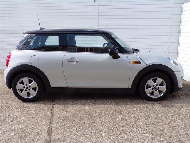 USED 2017 17 MINI HATCH COOPER 1.5 COOPER D 3d 114 BHP DAB RADIO LEATHER SEATS FSH