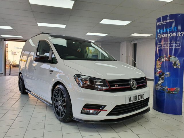 USED 2018 18 VOLKSWAGEN CADDY 2.0 C20 TDI HIGHLINE 5d AUTO DSG 150BHP *NO VAT* SAT NAV  AIR CON - CRUISE - APPLE/ANDROID CAR PLAY - PARK ASSIST - LOWERED SUSPENSION