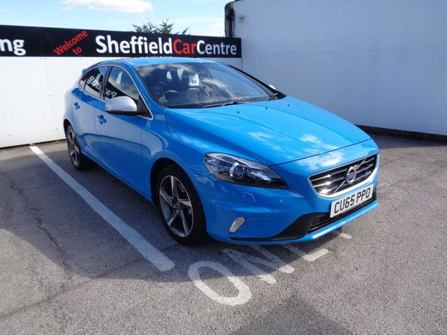 USED 2015 65 VOLVO V40 2.0 D4 R-DESIGN LUX NAV 5d 188 BHP half leather satellite navigation  climate control alloys full dealer service history parking sensors free road tax